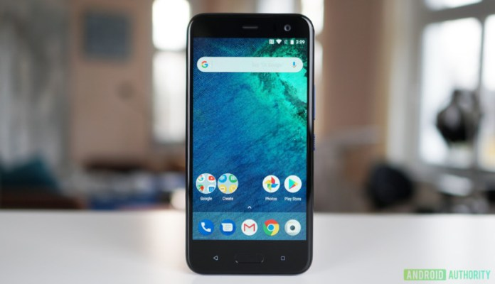The front of the HTC U11 Life