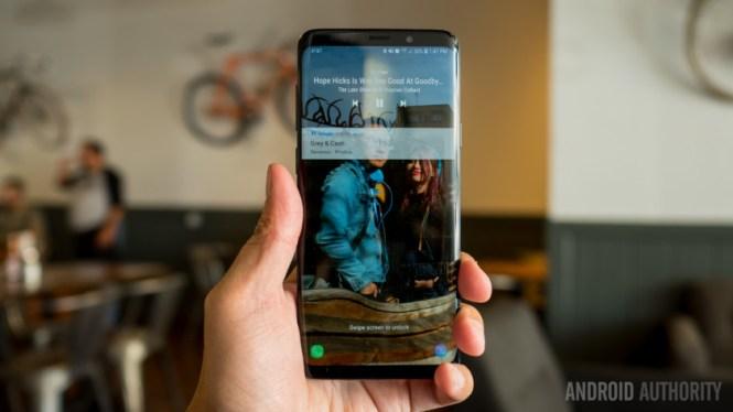 The lockscreen on the Samsung Galaxy S9 Plus.