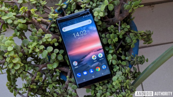 Nokia 8 Sirocco review - POLED display