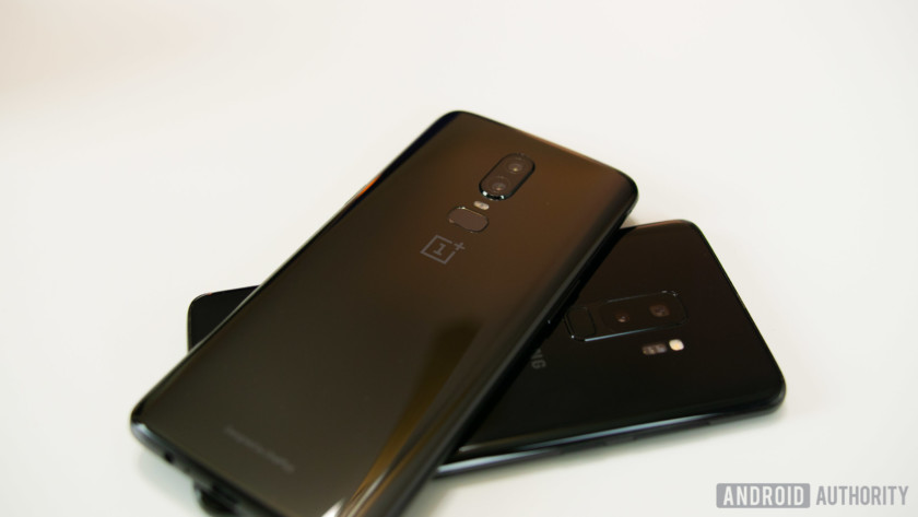 OnePlus 6 on top of Samsung Galaxy S9
