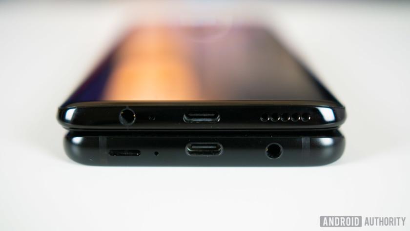 OnePlus 6 vs Samsung Galaxy S9 ports