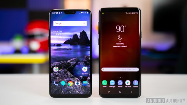 OnePlus 6 vs Samsung Galaxy S9 display