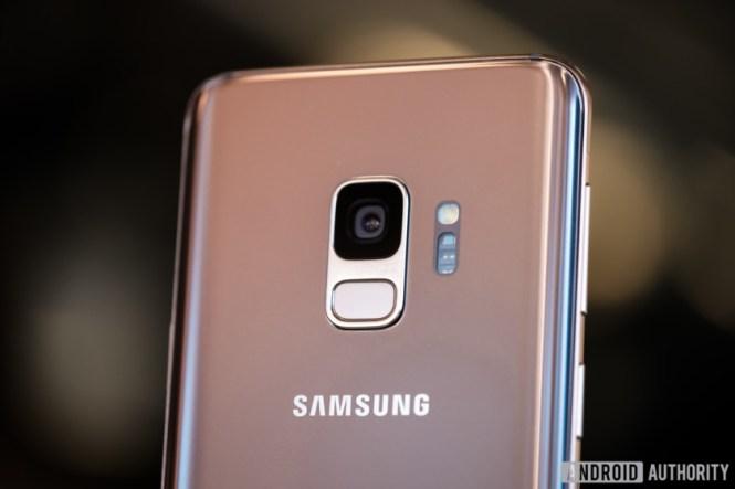 Samsung Galaxy S9 Sunrise Gold (3 of 9)
