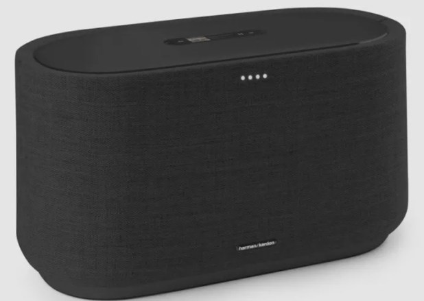 The Harman Kardon Citation 500 in black.