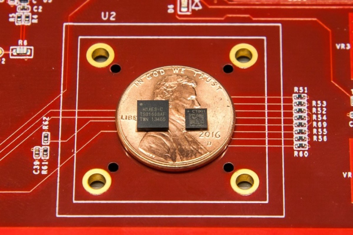 Picture showing Google's Titan and Titan M security chip