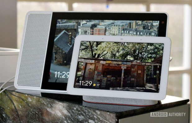 Google Home Hub vs Lenovo Smart Display front size