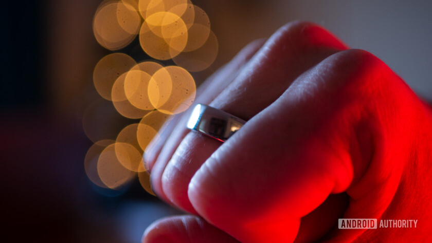 Oura Ring 2 on Hand