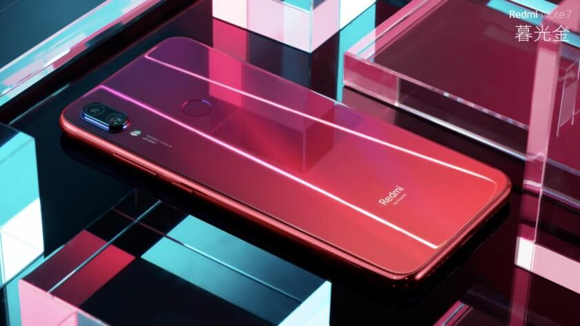 A Redmi Note 7 in red.