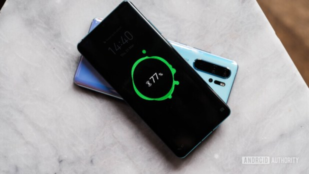 Huawei P30 Pro reverse wireless charging (49 of 60)