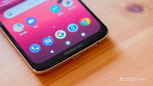 Moto G7 and Moto G7 Power review bottom bezel