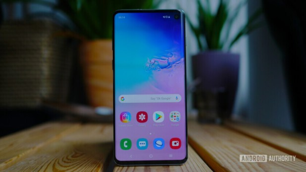 Samsung is firmly leading the way for shipments in Q2 2019.