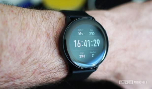 Samsung Galaxy Watch Active glare
