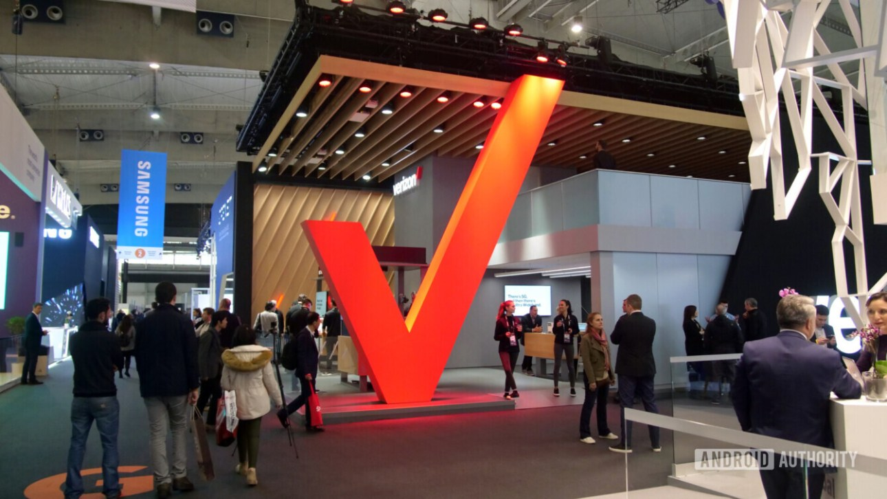 Логотип Verizon Big Red V на MWC 2019