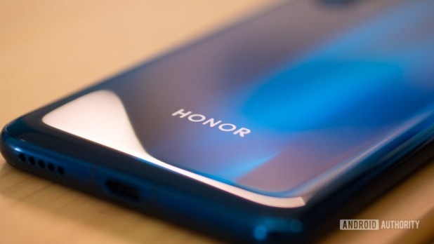 Honor 20 Pro rear logo