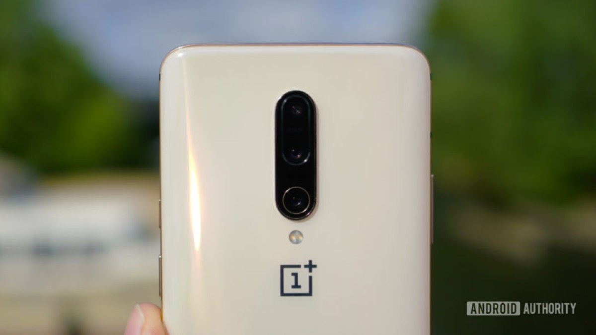 OnePlus 7 Pro almond color camera closeup