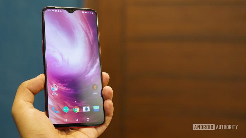 OnePlus 7 in hand