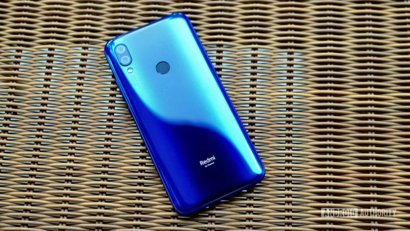 Redmi Y3 back of the phone - one of the best phones under 10000 in india