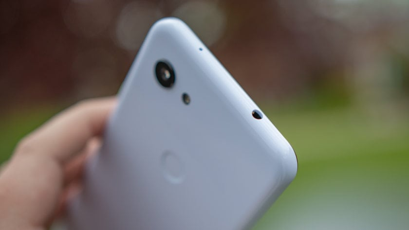 Google Pixel 3a Purple-ish Headphone Jack
