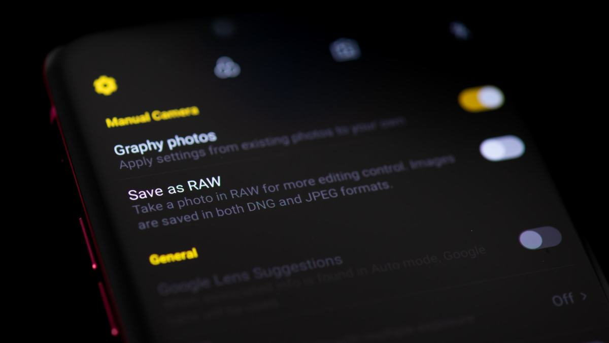 Поддержка RAW на камере смартфона