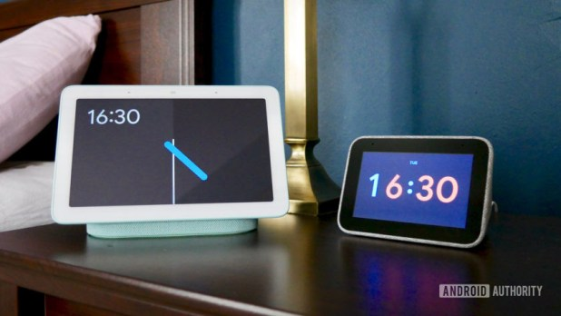 Lenovo Smart Clock vs Google Nest Hub