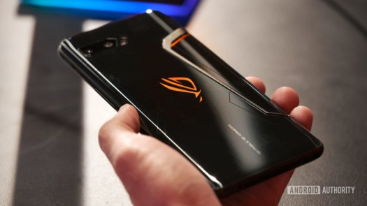 Asus ROG Phone 2 back in hand