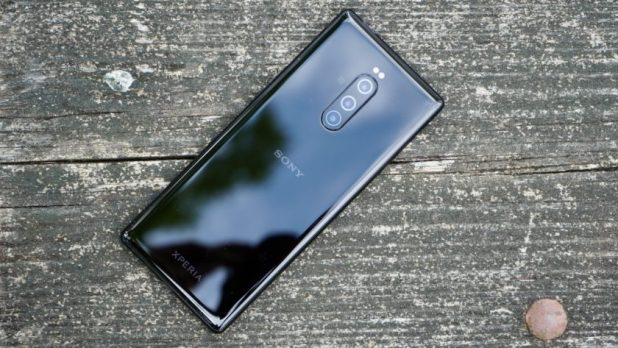 LG and Sony's smartphone sales continue to tank.