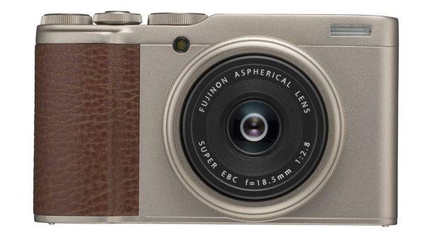 Fujifilm XF100 front side.