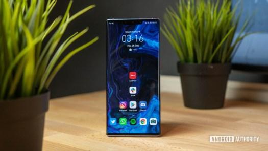 Huawei Mate 30 Pro Depth shot of home screen