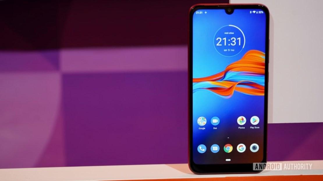 Motorola Moto E6 Plus front standing