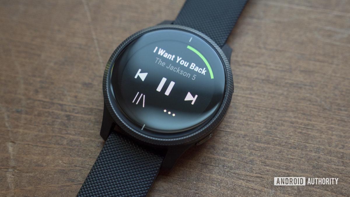 Garmin Venu обзор приложение Garmin Spotify музыка