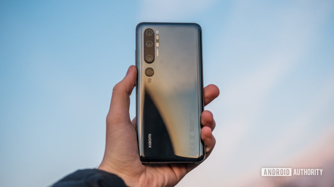 Xiaomi Mi Note 10 in hand outside - best phones under £500