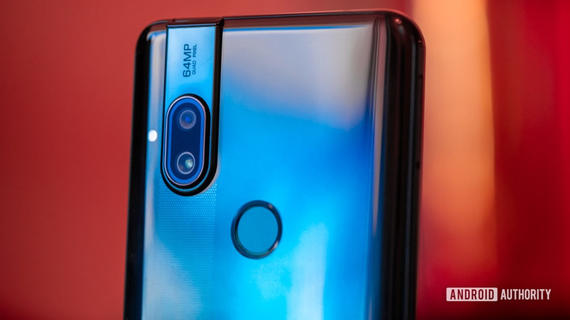 Motorola Moto One Hyper back and fingerprint reader
