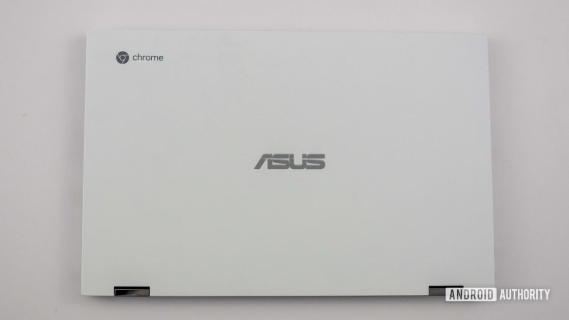 Asus Chromebook Flip C436 Asus logo on lid
