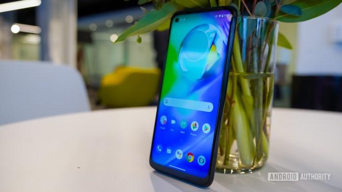 Motorola Moto G Power right profile