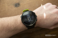 suunto 7 review display watch face on wrist 1