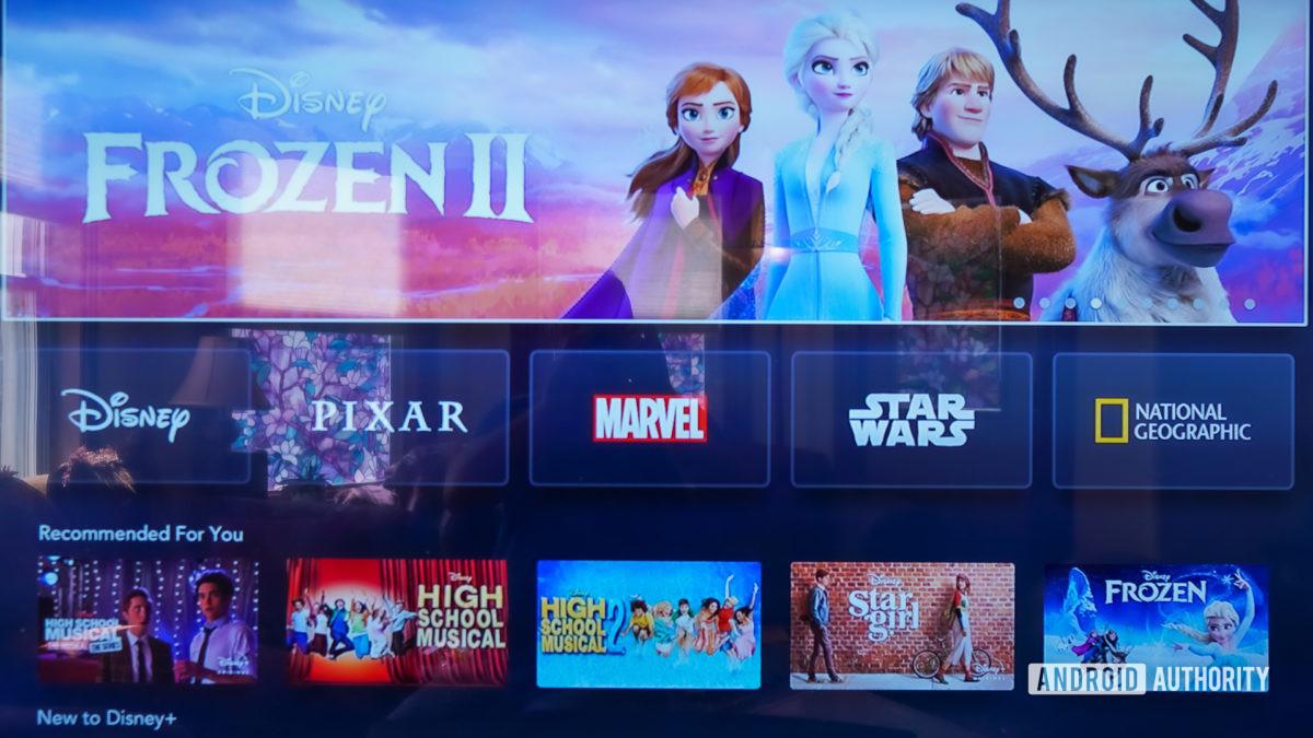 Disney Plus на главном экране Apple TV