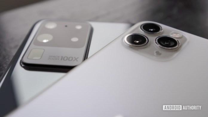 Samsung Galaxy S20 Ultra vs Apple iPhone Pro Max 2