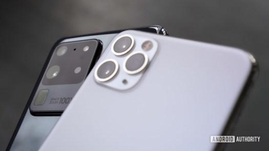 Samsung Galaxy S20 Ultra vs Apple iPhone Pro Max 3