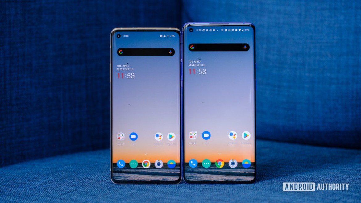 OnePlus 8 Pro vs OnePlus 8 screens