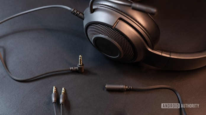 A picture of the Razer Kraken X wired gaming headset cables.