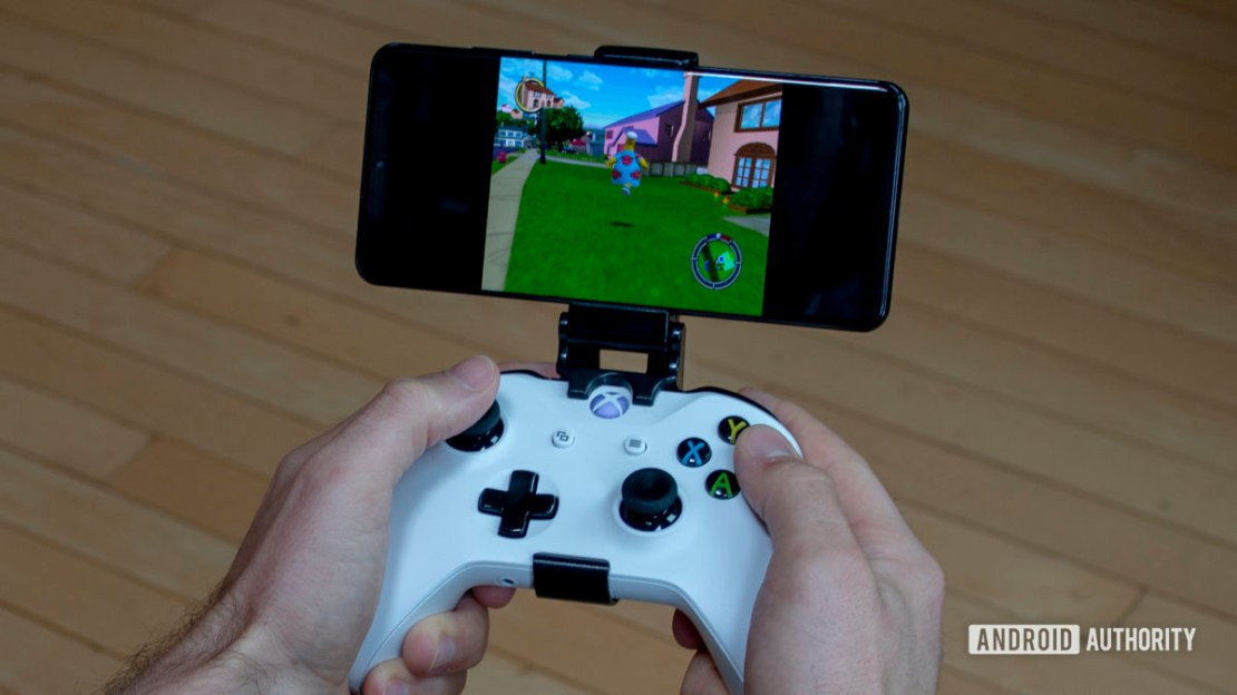 Samsung Galaxy S20 Ultra GameCube Emulation with Xbox Controller In Hand