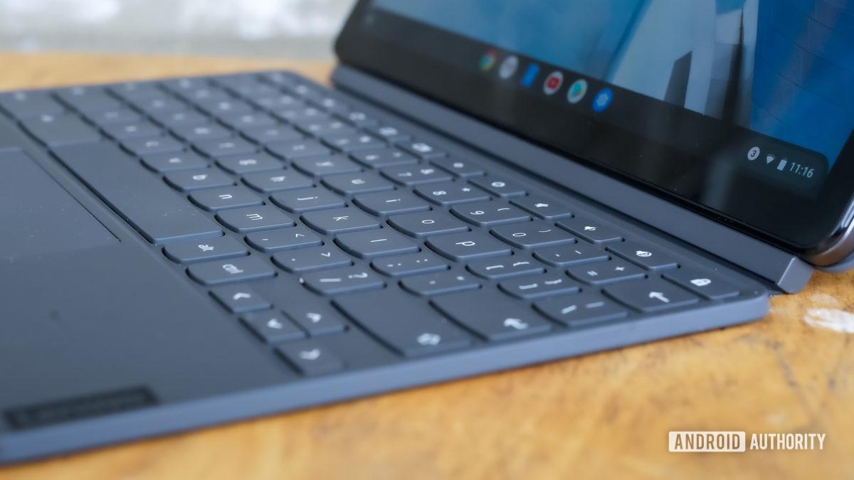 Правый профиль Lenovo Chromebook Duet
