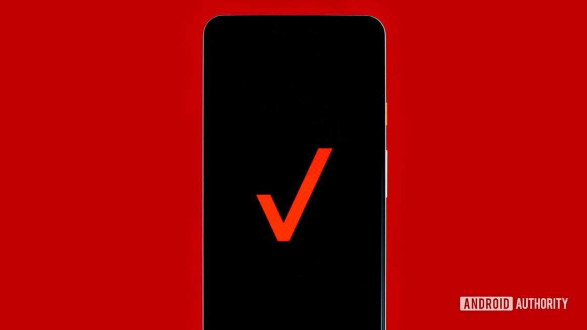 Логотип Verizon на телефоне stock photo