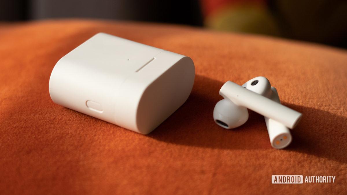 Изображение кнопки управления Xiaomi True Wireless Earphones 2