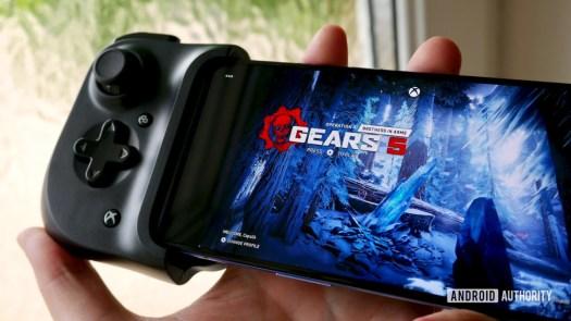 Xbox game pass vs Ultimate: cloud gaming with Razer Kishi