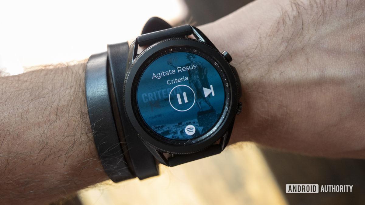 avaliação samsung galaxy watch 3 no aplicativo de música de pulso spotify