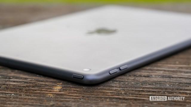 Apple iPad 2020 buttons