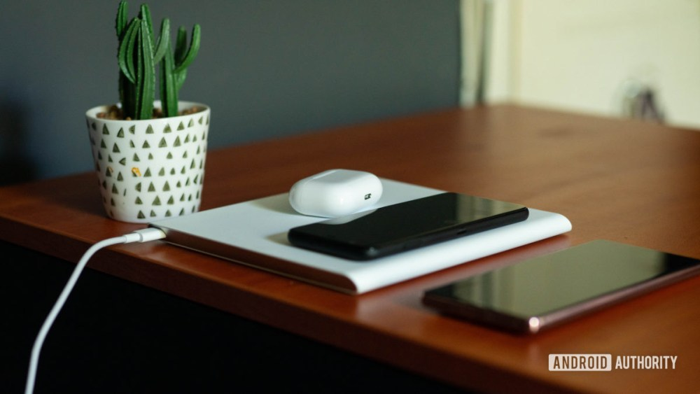 Xiaomi Mi 20W Smart Tracking Displays Cable with Wireless Charging Pads, Phones and Earphones