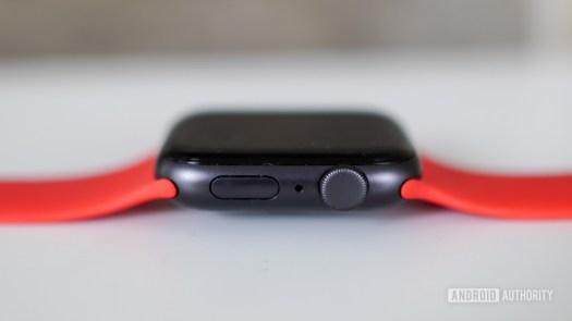 Apple Watch SE right edge