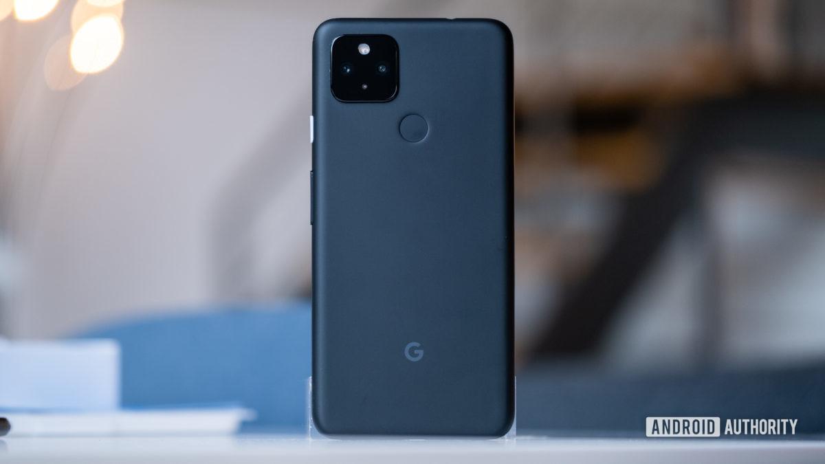Imagem traseira padrão do Google Pixel 4a 5G